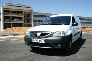 Unser Testwagen: Der Dacia Logan Express 1.4 MPI Ambience für 7000 Euro netto. Wichtige Komponenten, wie der Motor, stammen vom französischen Mutterkonzern Renault<br />