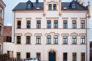 Für die hervorragende Fassadengestaltung an einem historischen Gebäude in Kirchberg (Sachsen) erhielt Maler Sven Morgner den ersten Preis beim Südwest-Fassadenpreis 2011<br />