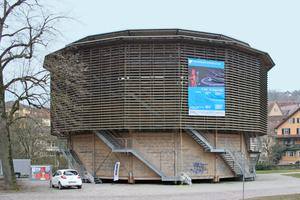 Beim Globe Theater in Schwäbisch Hall handelt es sich um einen hölzernen Rundbau nach dem Vorbild des Londoner Shakespeare's Globe Theatre