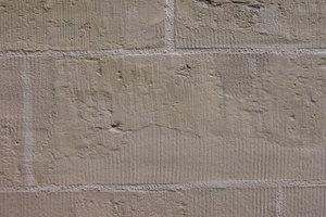 Eine gut gemachte Stein-<br />ergänzung passt sich hinsichtlich Farbe und Textur gleichmäßig in den Bestand ein
