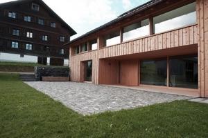 Den zweiten Preis gab es für Arbeiten an einem 200 Jahre alten Haus in Schwarzenberg im Bregenzerwald<br />Foto: Holzwerkstatt Faißt