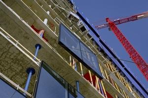 Montage der Fassadenelemente<br />