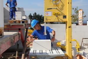 Für den Bau eines KfW 70 Hauses greift man bei Reger gerne auf Porenbetonsteine von Ytong zurück