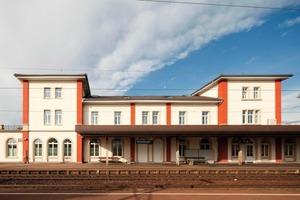Der ehemalige Bahnhof von Schwetzingen ist nach dem Umbau heute das erste denkmalgeschützte Null-Energie-Bürohaus Europas<br />