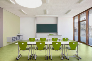 Klassenzimmer im Neubau der Pestalozzischule in Leonberg        Foto: Heradesign<br />