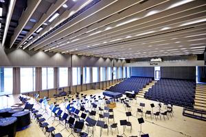 Das neu errichtete Auditorium der Universität Augsburg bietet etwa 400 Zuhörern Platz Foto: Rigips