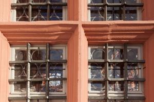 Kreuzstockfenster mit den von Mund geblasenen Tafelgläsern<br />