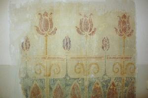 ... Wandmalereien zum Vorschein, ...