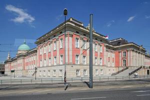 Neubau in historischem Kleid: Das nach Plänen des Architekten Peter Kulka in Potsdam wieder aufgebaute Stadtschloss