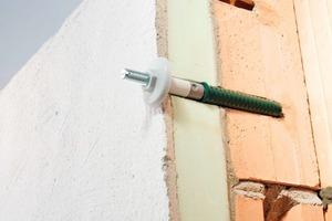 SPI-Rohrschellendübel sind für alle Wandmaterialien sowie für alle Vollwärmeschutzfassaden von 80 bis 220 mm Dicke geeignet<br />
