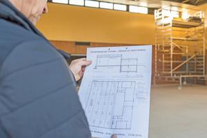 """Den Verlegeplan liefert der Hersteller zusammen mit den Bauteilen des Stahl-Unterdaches<span class=""""bildnachweis"""">Fotos: Nagelstutz und Eichler</span>"""