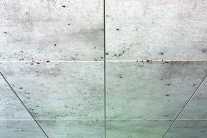 Rasterdecke mit Mineralwolleplatten in Sichtbetonoptik<br />