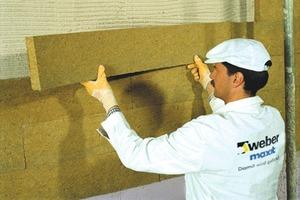 Bilder Nummer 4-6: Durch eine Zusatzdämmung lässt sich ein zeitgemäßer Wärmeschutz erzielen. Das Armierungsgewebe muss faltenfrei im oberen Drittel des Mörtels eingebügelt werden. Die Art der Verdübelung ist abhängig von der jeweiligen Ausführung: Ohne Zusatzdämmung sowie bei einer Aufdopplung mit Mineralwolle genügen vier Dübel durch das Armierungsgewebe. Bei einer Zusatzdämmung mit EPS ist eine direkte Verdübelung mit sechs Dübeln pro Quadratmeter erforderlich<br />