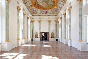 """Prunkstück des restaurierten Prälatenstocks im Zisterzienserkloster Raitenhaslach ist der sogenannte """"Steinerne Saal"""""""