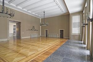 Großer Festsaal im Haus 2 vor Beginn der Sanierungs- und  Umbauarbeiten Foto: Bernd Hiepe