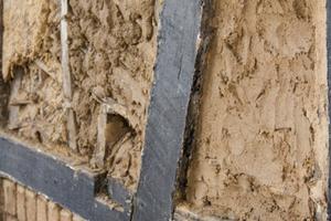 Lehmziegel oder Weidengeflecht – mit Fachwerk kennt sich die Bauhütte aus