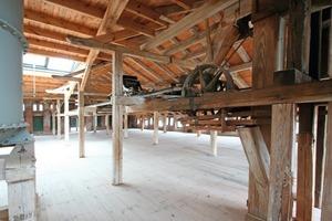 Durch ein Oberlicht im Dach gelangt künftig viel Tageslicht in die tiefen Speicherböden<br />Fotos: Thomas Wieckhorst<br />