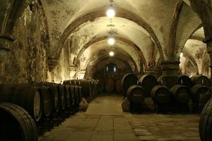 """Im Film und Buch """"Der Name der Rose"""" spielte das Weinlager im Untergeschoss des Konversenbaus eine wichtige Rolle"""