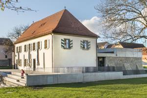 Im alten Wasserschloss von Rottendorf befindet sich seit vergangenem Jahr ein Lesecafé und Veranstaltungssaal<br />