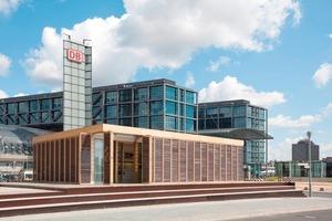 Plus-Energie-Haus vor dem Berliner Hauptbahnhof<br />