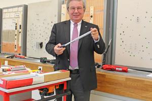 """Prof. E.h. Klaus Fischer hat die Unternehmensgruppe fischer breiter aufgestellt und die Internationalisierung voran getrieben<span class=""""bildnachweis"""">Foto: Thomas Schwarzmann</span>"""