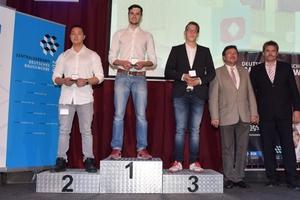 Auf den Siegerpodest stehen bei den Stuckateuren Niklas Grobert (Gold), Jan-Kelvin Reitsch (Silber) und René Klüber (Bronze)
