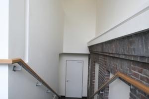 Blick in das neue Treppenhaus in der Baufuge zwischen dem Alt- und dem Neubau<br />