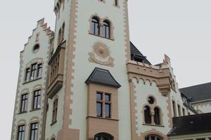 Der Turm der Hörder Burg nach Abschluss der Sanierungsarbeiten<br />