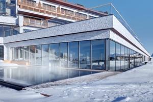 Die Lignatec-Fenster kamen sowohl in Holz-Aluminium- als auch in Holz-Kunststoff-Ausführung zum Einsatz, weisen eine passivhaustaugliche Wärmedämmung bis zu einem U<sub>w</sub>-Wert von 0,84 W/m²K auf und zeichnen sich durch ihre Luftdichtheit und Schlagregensicherheit aus<br />