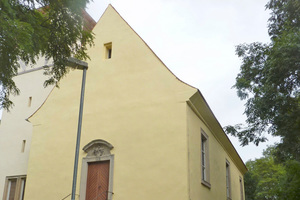 Frisch saniert: die evangelische Kirche in Menz...