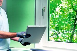 Für die Innendämmung von Tür- und Fensterlaibungen bietet sich das Isover Kontur LVP 007 Laibungs-VacuPad an<br />
