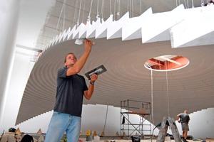 Die Q4-Verspachtelung der Kuppel war für die Trockenbauer eine handwerkliche Herausforderung, die sich Dank großer Formteile vom Arbeitsaufwand her auf ein Minimum reduzierte