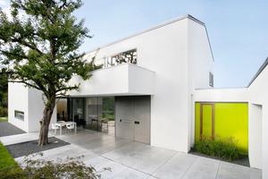 Von außen und innen besticht der vom Architekturbüro Berschneider + Berschneider entworfene Neubau in Neumarkt durch ein geradliniges, schlichtes Design<br />Fotos: Saint-Gobain Rigips<br />
