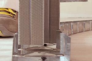 Rechts: CW-Profile um 10mm kürzen und im Abstand von 62,5cm einstellen