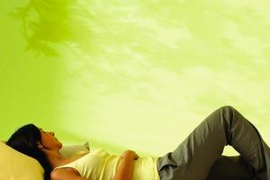 Das Aesthetic Center von Akzo Nobel hat die Farbe des Jahres 2011 ermittelt: Ein Zitronengelb mit einer dezent grünen Note<br />