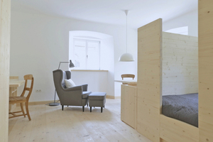 Wohn- und Schlafzimmer eines der Gästeappartements
