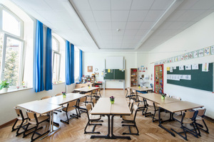 Helle und freundliche Klassenzimmer sind in dem energetisch sanierten, denkmalgeschützten Gebäude der Duisburger Schule entstanden