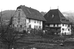 Das Höchhus und Nebengebäude vor Beginn der Sanierungs- und Umbauarbeiten<br />