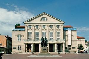 <br />Das neoklassizistische Deutsche Nationaltheater in Weimar wurde unter der Leitung des Architekten Max Littmann im Jahr 1907 erbaut<br />