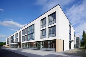Der kompakte Neubau der Joachim-Schumann-Schule in Babenhausen nach Plänen des Darmstädter Architekten Thomas Eßmann