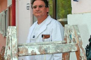 Malermeister Peter Stiebritz blickt optimistisch in die Zukunft, denn sein Betrieb ist mit Aufträgen ausgelastet – nicht nur, aber auch durch Unterstützung von ibau<br />