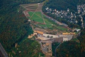 Die Festung Ehrenbreitstein in Koblenz aus der Luft. Sie wird 2011 der Kern der Bundesgartenschau sein<br />