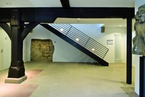 """Im Zuge der Restaurierung wurden die """"Haller Bock"""" genannten Eichenstützen im Erdgeschoss freigelegt"""