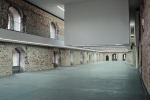 Die Raumwirkung im Westflügel ließ sich am besten vor dem Einzug des Museums erfahren. Von moderner Technik ist nichts zu sehen – die verschwand unter den Galerien, im Fußboden und in den Fensterbrüstungen<br /><br />