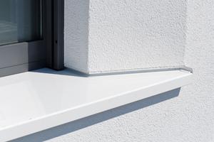 Auch die Fensterbänke mussten der ungewöhnlichen Gestaltung der Laibungen angepasst werden