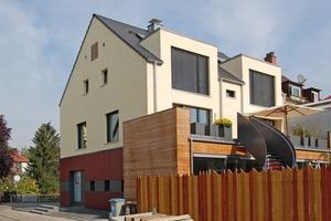 Die Doppelhaushälfte profitierte neben der energetischen Aufwertung auf Passivhausstandard durch den Umbau auch optisch<br />