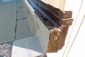 Z-Profil oberhalb der Dämmung/Fassadensockel. Hier kann nun das eigentliche WDVS fachgerecht angearbeitet werden