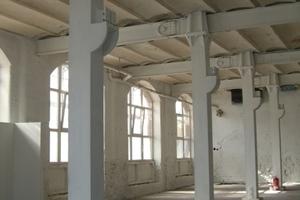 Dämmschichtbildender Brandschutzanstrich auf Gusseisenstützen und Stahlträgern in der Hamburger Speicherstadt<br />Foto: Dinse Feest Zurl Architekten