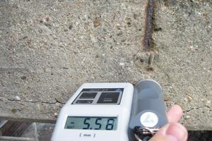 Absprengung des Betons über korrodierendem Stahl<br />