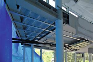 Planebene Ausführung der Unterkonstruktion unter der Galerieebene